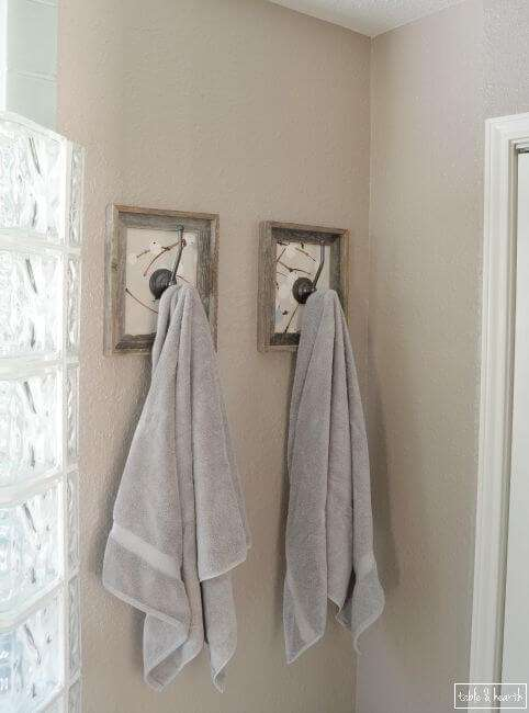 What a cool way to snazz up a simple hook! Just a bit of fabric, a cheap frame, a few simple supplies, and that's it!!!!