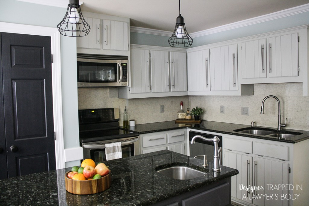 Gorgeous And Bright Light Gray Kitchens Table And Hearth - Light gray cabinets in kitchen