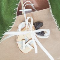 These rustic felt and wood monogram gift tags bring a beautiful personal touch to your holiday presents!