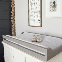 Wow, SUPER easy way to make a changing pad tray! www.tableandhearth.com