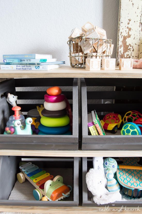 Keep all those toys organized but still at hand for the little ones with this cute and easy crate storage shelf!!